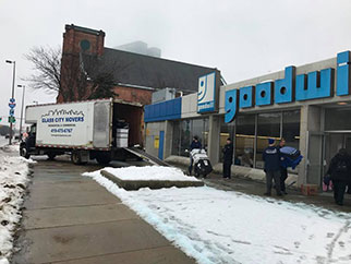 Glass City Movers, LLC, Branded Truck - Loading